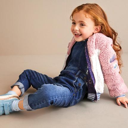 Kız çocuk Jean'ler