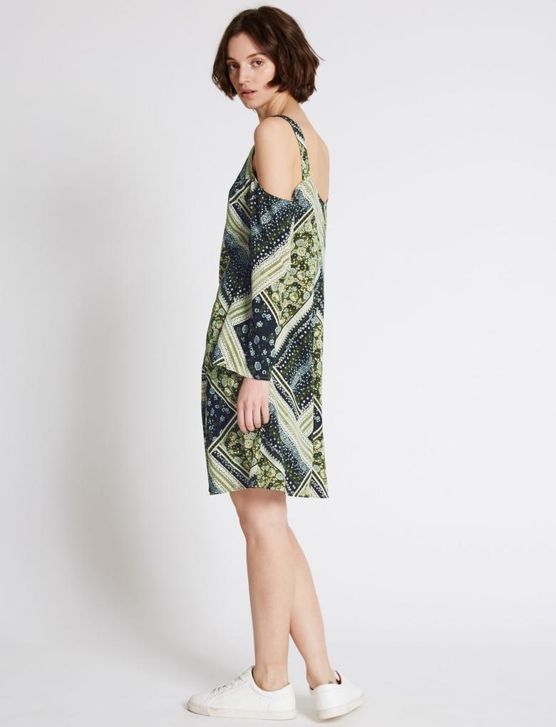 Düşük Omuzlu Uzun Kollu Elbise