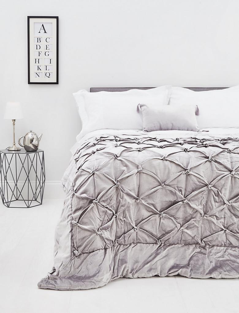 Kadife Kıstıraçlı Yatak Örtüsü