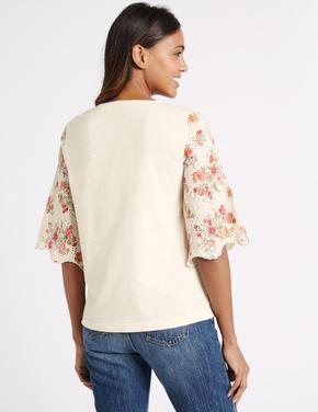 Çiçek Desenli Yarım Kollu Bluz