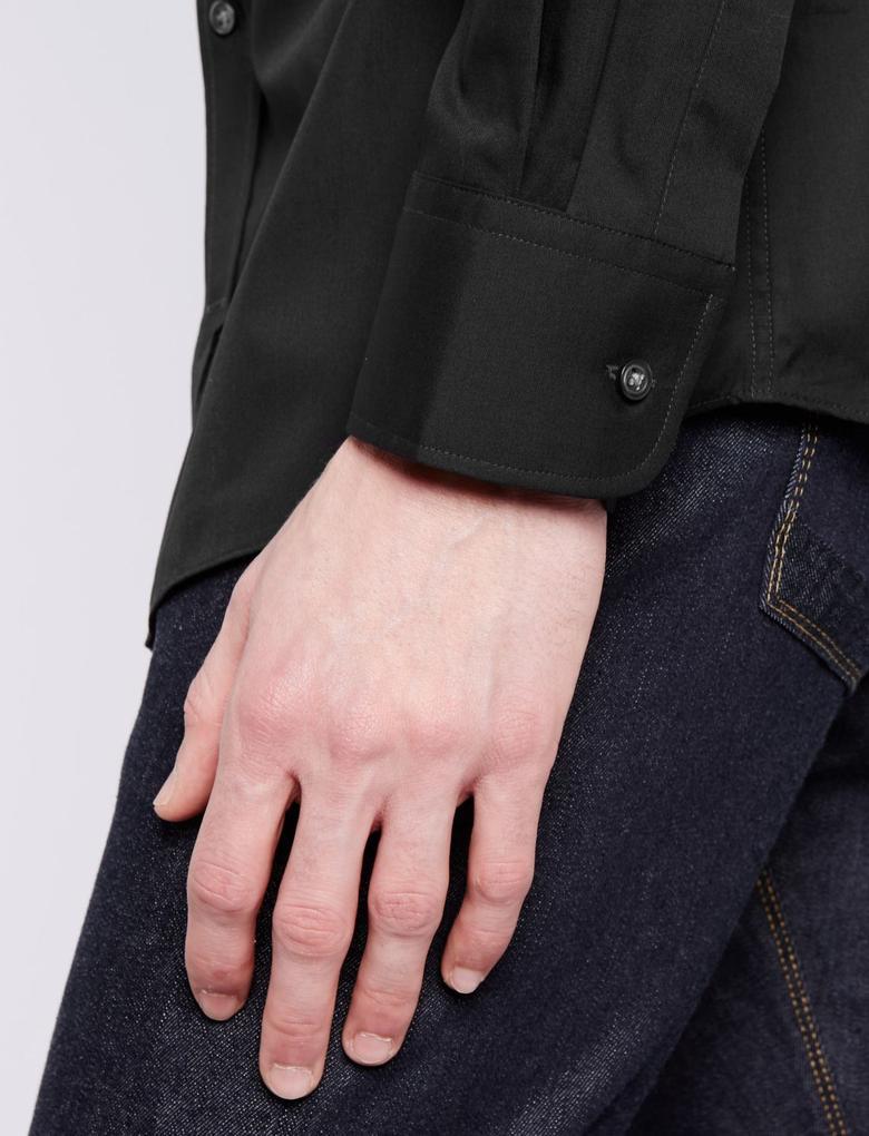 Erkek Siyah Kolay Ütülenebilir Cepli Gömlek