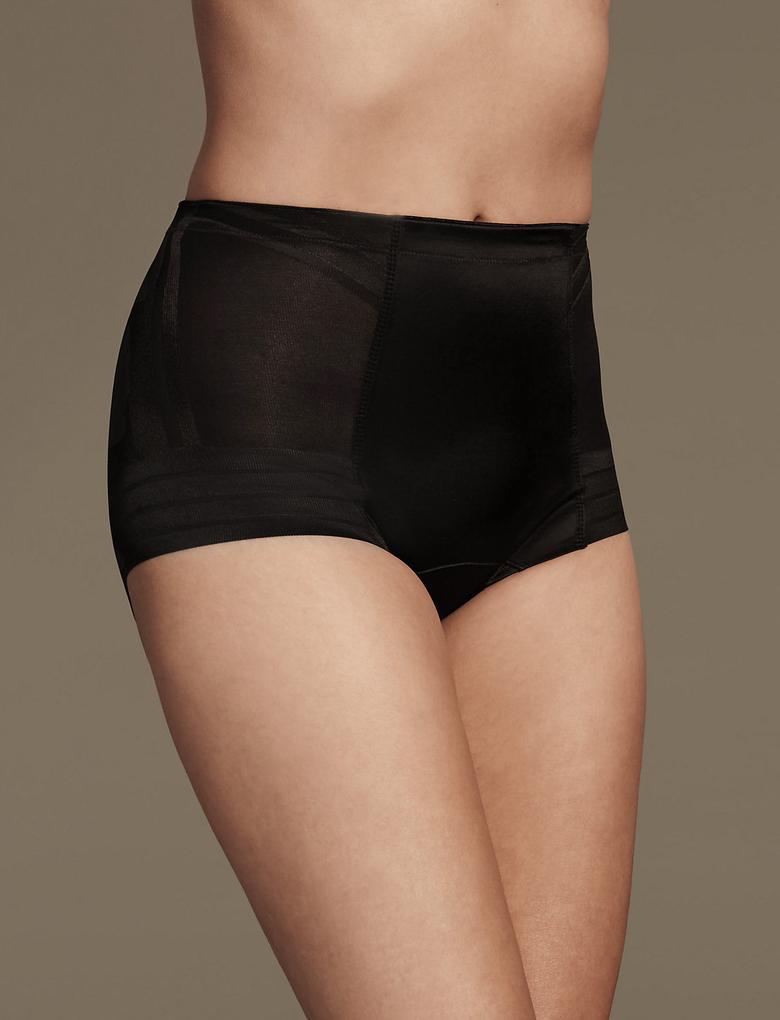 Kadın Siyah Yüksek Sıkılıkta Magicwear™ Low Leg Külot