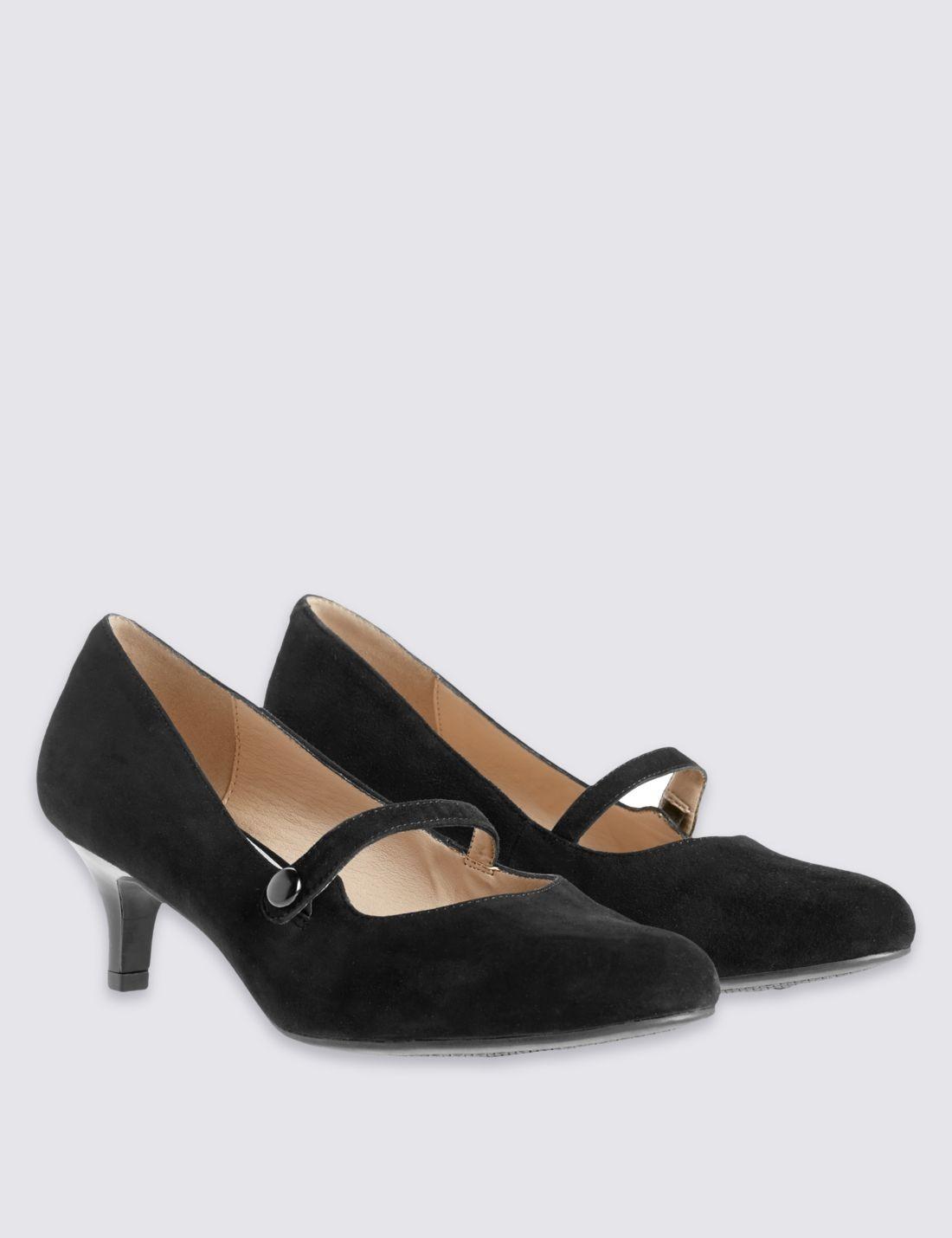 Geniş Kalıplı Topuklu Süet Ayakkabı