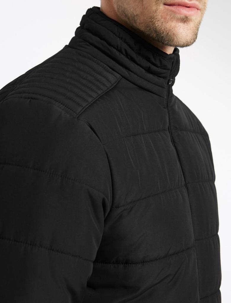 Siyah Kapitone Ceket (Stormwear™ Teknolojisi ile)