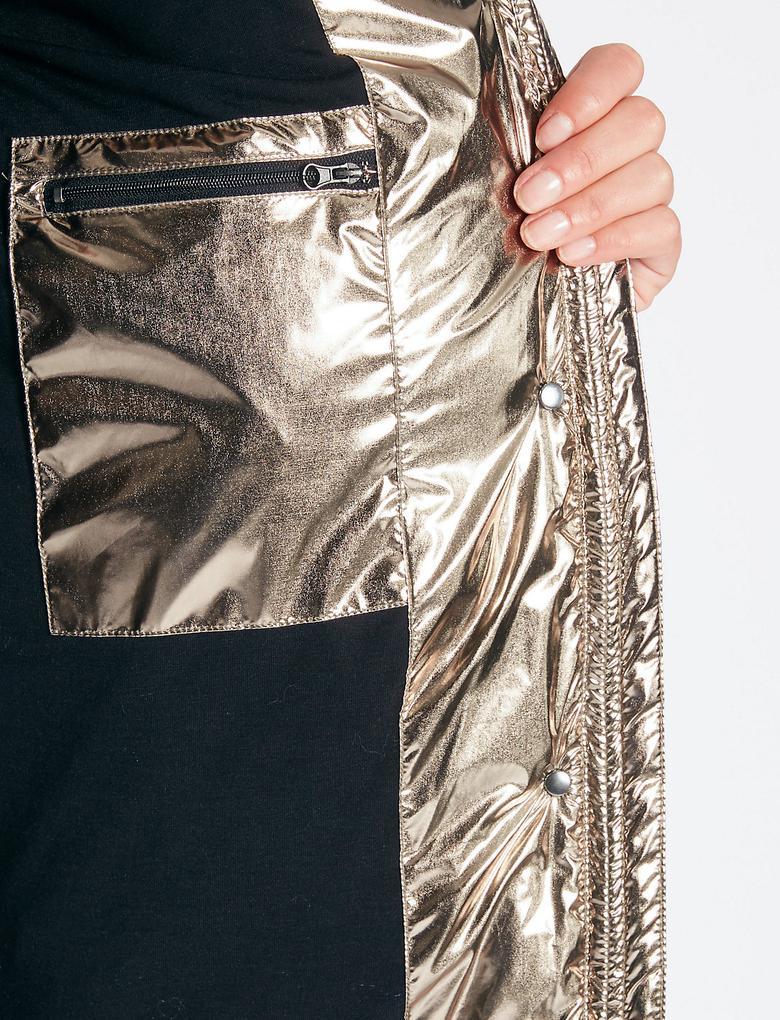 Dolgulu Metalik Mont (Stormwear™ Teknolojisi ile)