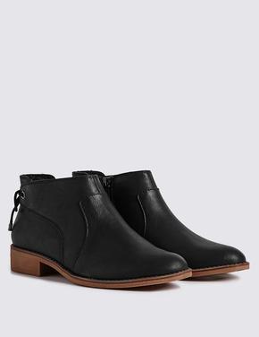 Siyah Kalın Topuklu Bot