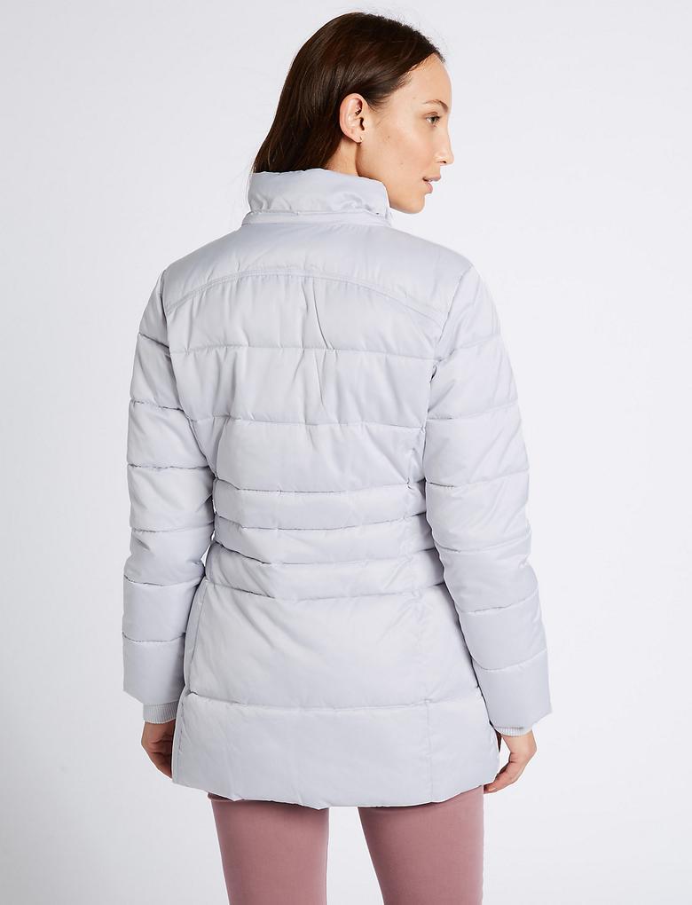 Dolgulu Saten Mont (Stormwear™ Teknolojisi ile)