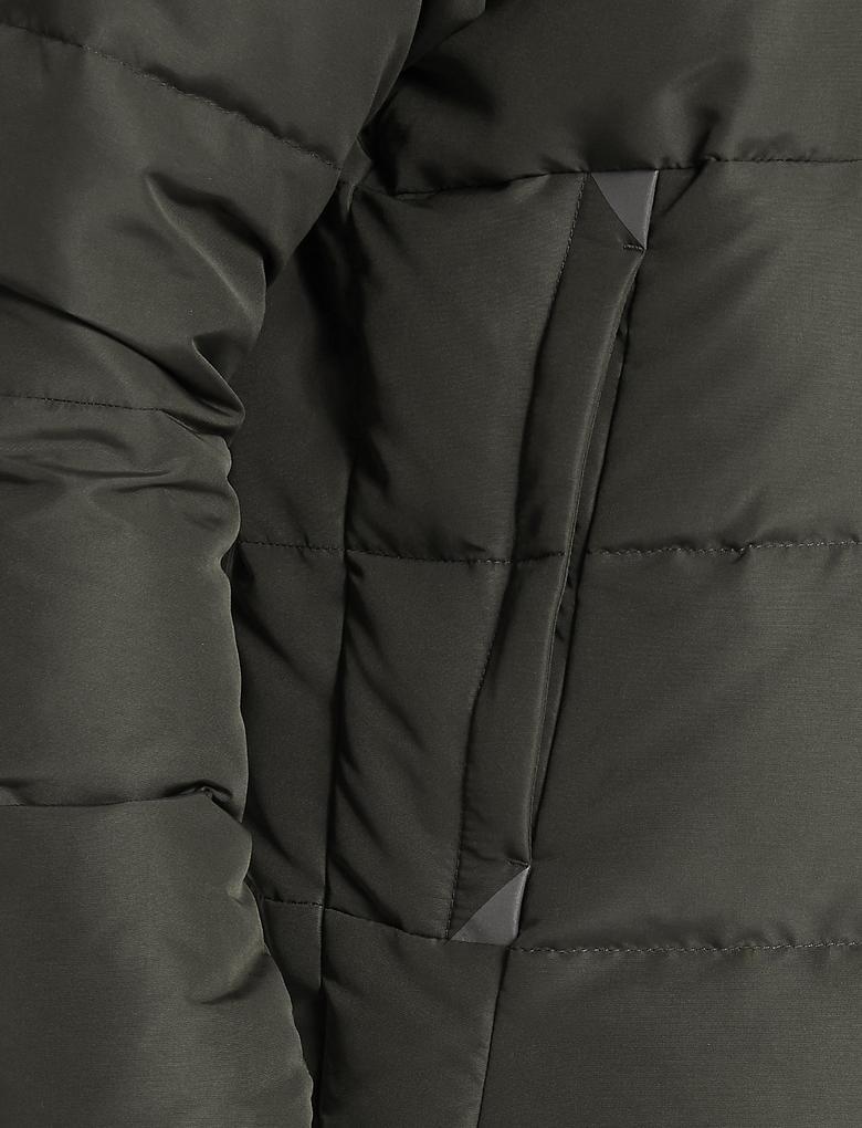 Kapüşonlu Ceket (Stormwear™ Teknolojisi ile)