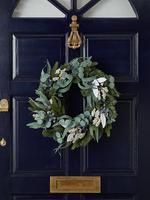 Renksiz Beyaz Detaylı Çelenk Kapı Süsü