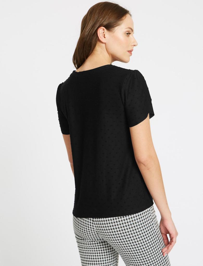 Siyah Puantiyeli Kısa Kollu T-Shirt