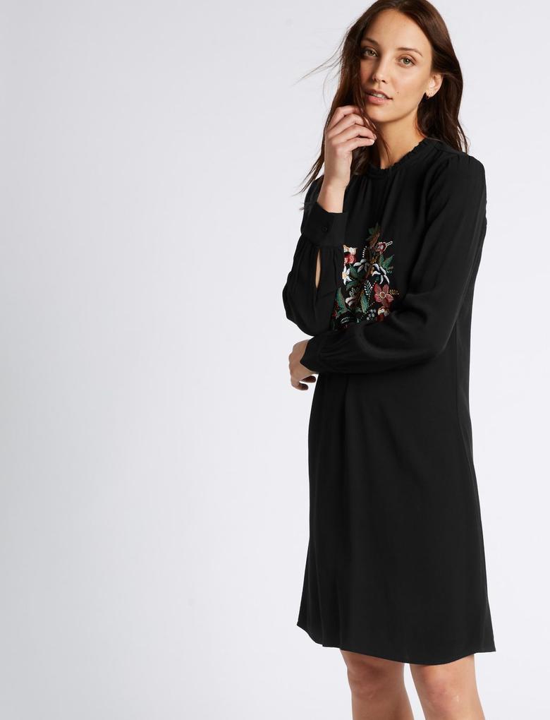 Siyah İşlemeli Uzun Kollu Elbise