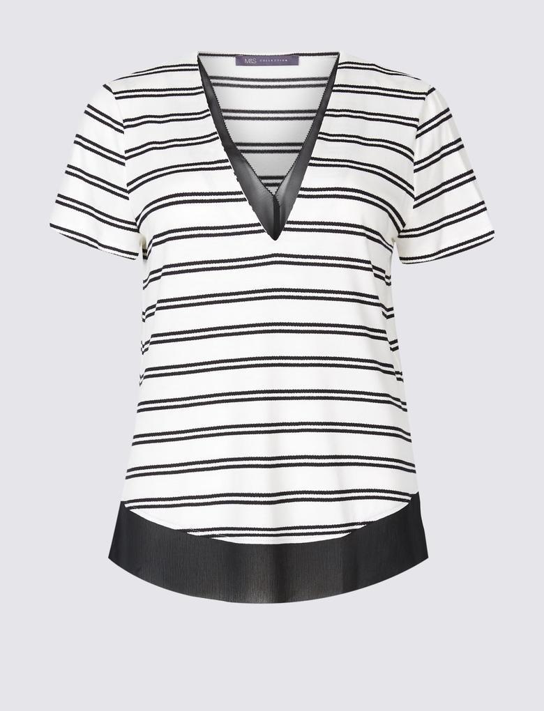 Siyah Çizgili Kısa Kollu V Yaka T-Shirt
