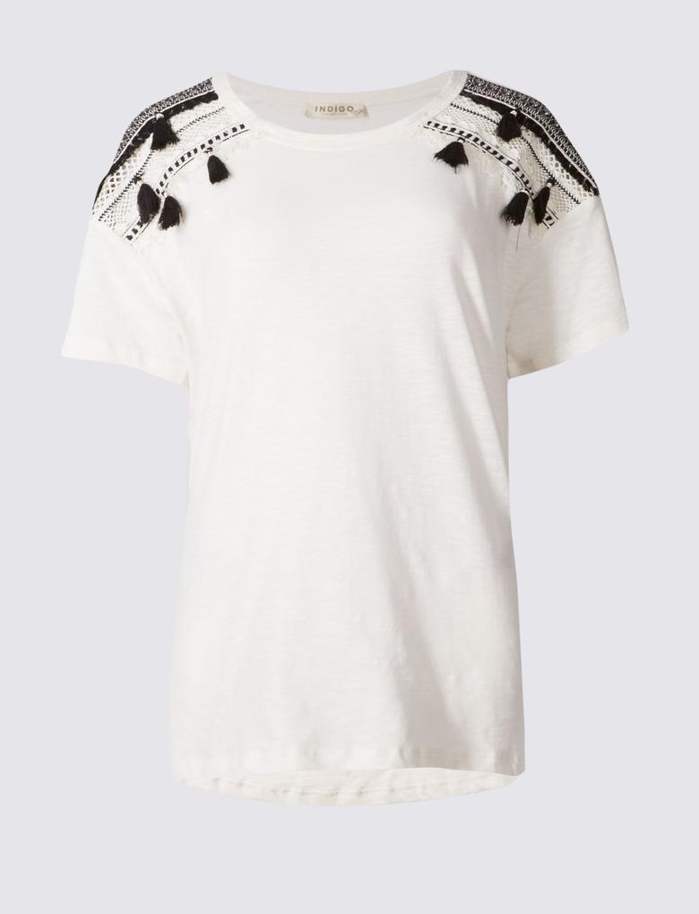 Omuzları Püsküllü Kısa Kollu T-Shirt