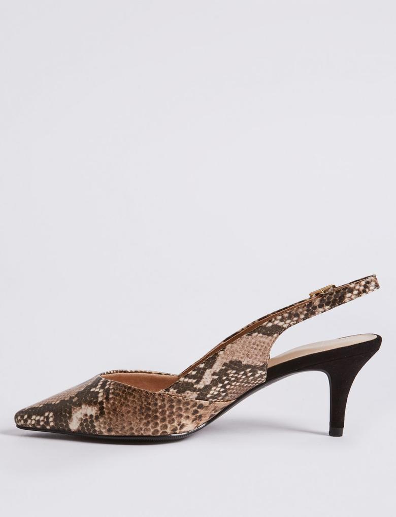 Geniş Kalıplı Topuklu Ayakkabı