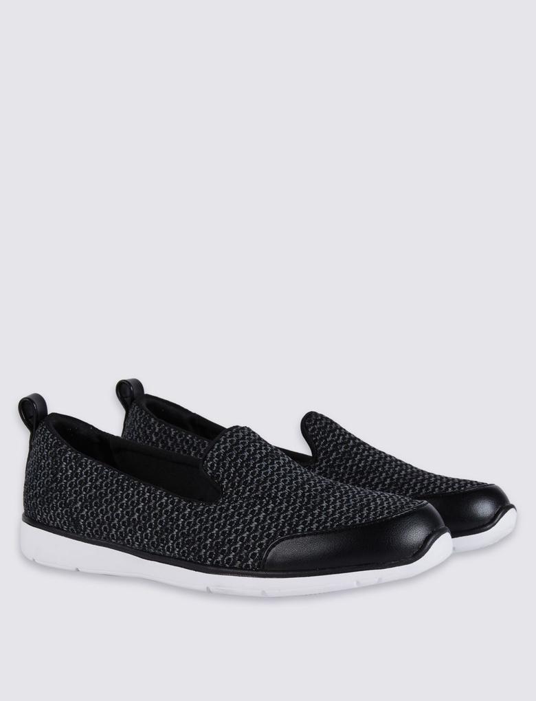 Siyah Bağcıksız Ayakkabı