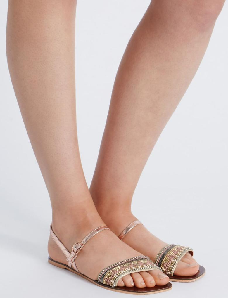 Boncuklu Açık Ayakkabı