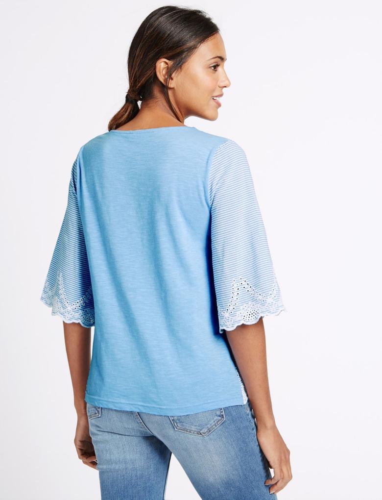 Mavi Çizgili İşlemeli Bluz
