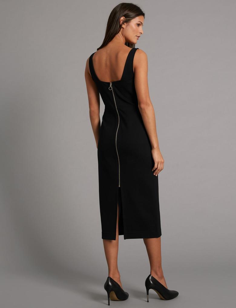 Siyah Arkası Fermuarlı Elbise