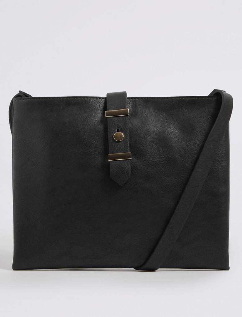Siyah Deri Görünümlü Çapraz Çanta