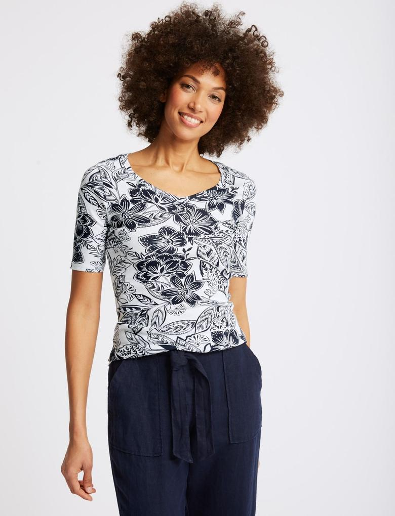 Saf Pamuklu Çiçek Desenli Yarım Kollu T-Shirt