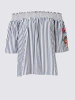 Çizgili İşlemeli Düşük Omuzlu Bluz