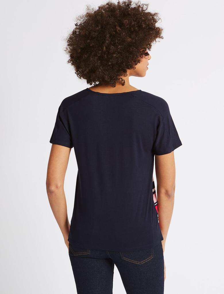 Pembe Çizgili Kısa Kollu Yuvarlak Yaka T-Shirt