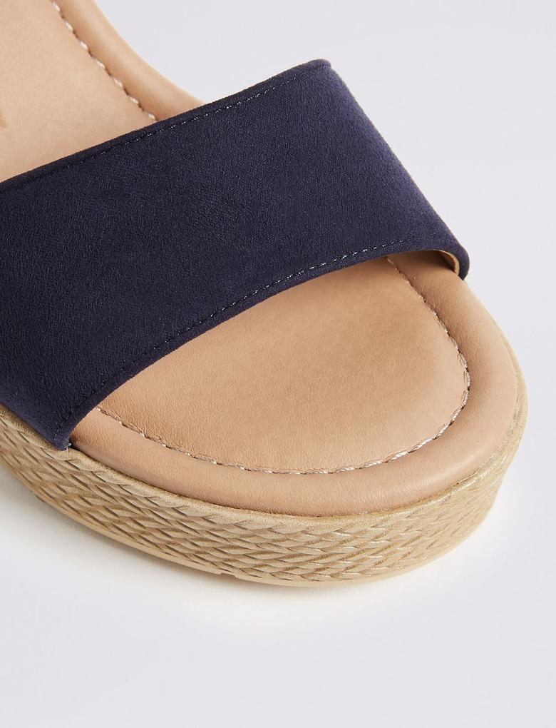 Kadın Lacivert Geniş Kalıplı Açık Ayakkabı