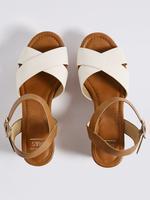 Bej Dolgu Topuklu Açık Ayakkabı