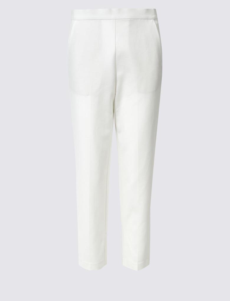 Kadın Beyaz Pamuklu Slim Leg Kısa Pantolon