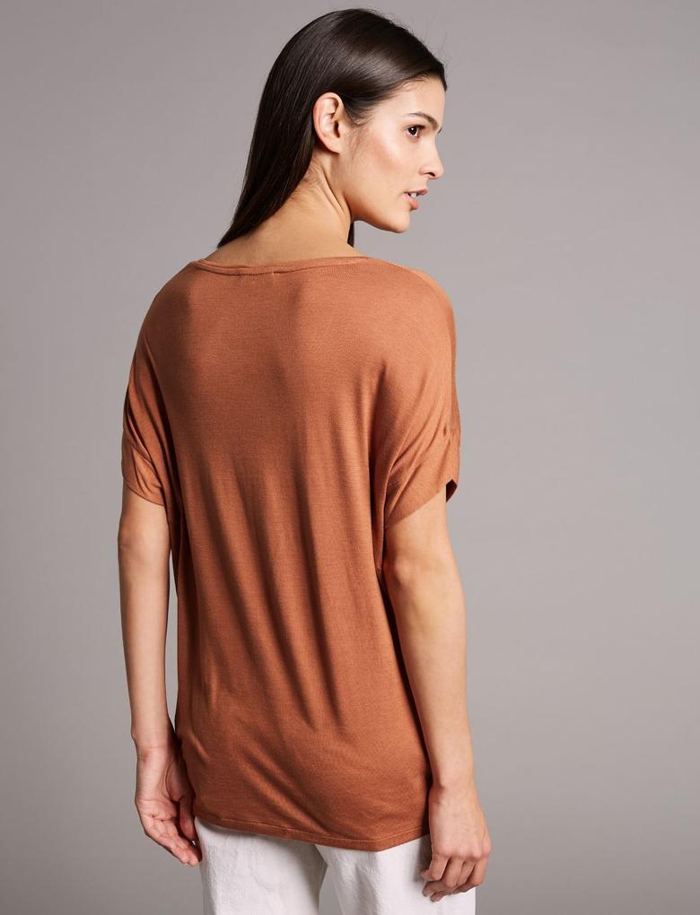 Kısa Kollu V Yaka İpekli T-Shirt