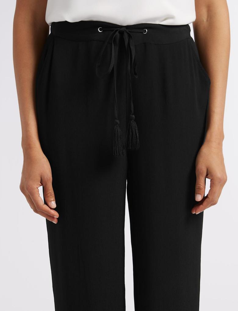 Siyah İşlemeli Wide Leg Pantolon