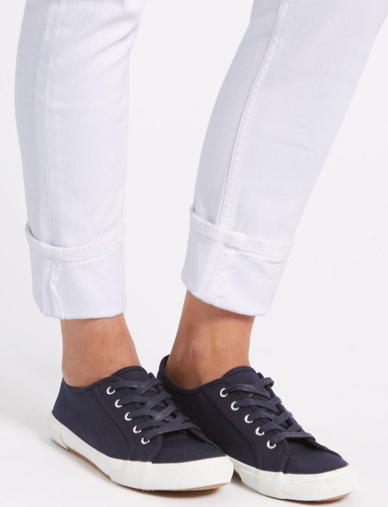 Beyaz Orta Belli Relaxed Slim Jean Pantolon