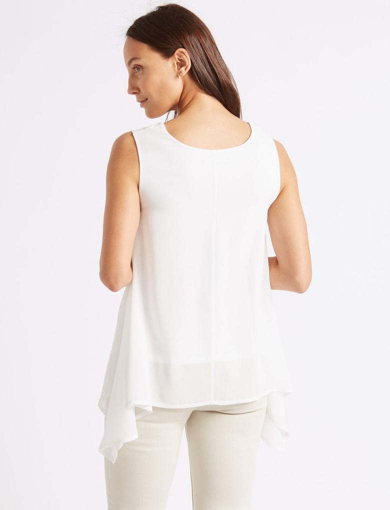 Beyaz Kısa Kollu Yuvarlak Yaka Bluz
