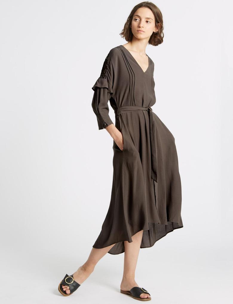 3/4 Kollu Dantel Detaylı Midi Elbise