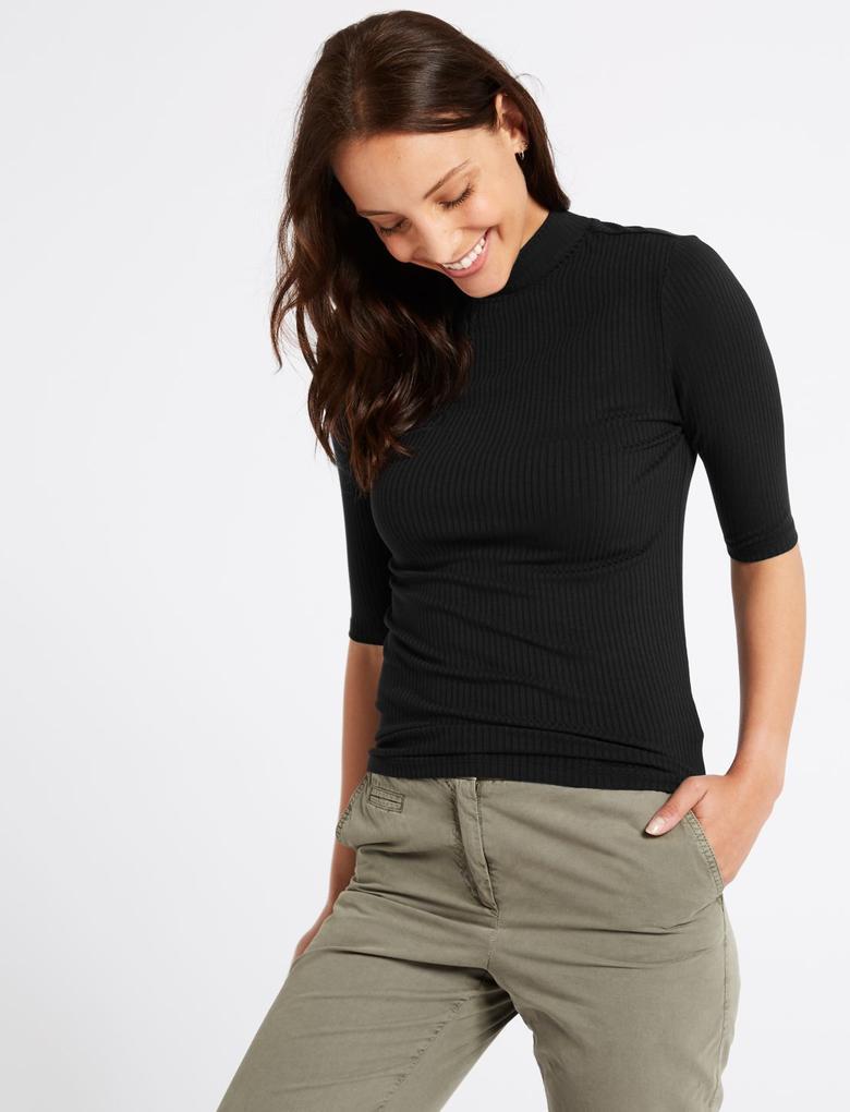 Siyah Yarım Kollu T-Shirt