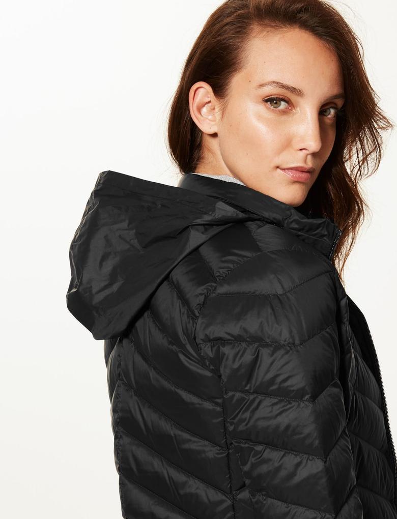 Kadın Siyah Hafif Kaz Tüyü (Down ve Feather) Mont (Stormwear™ Teknolojisi ile)