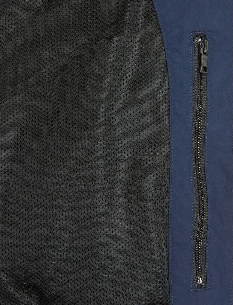 Cepli Yelek (Stormwear™ Teknolojisi ile)