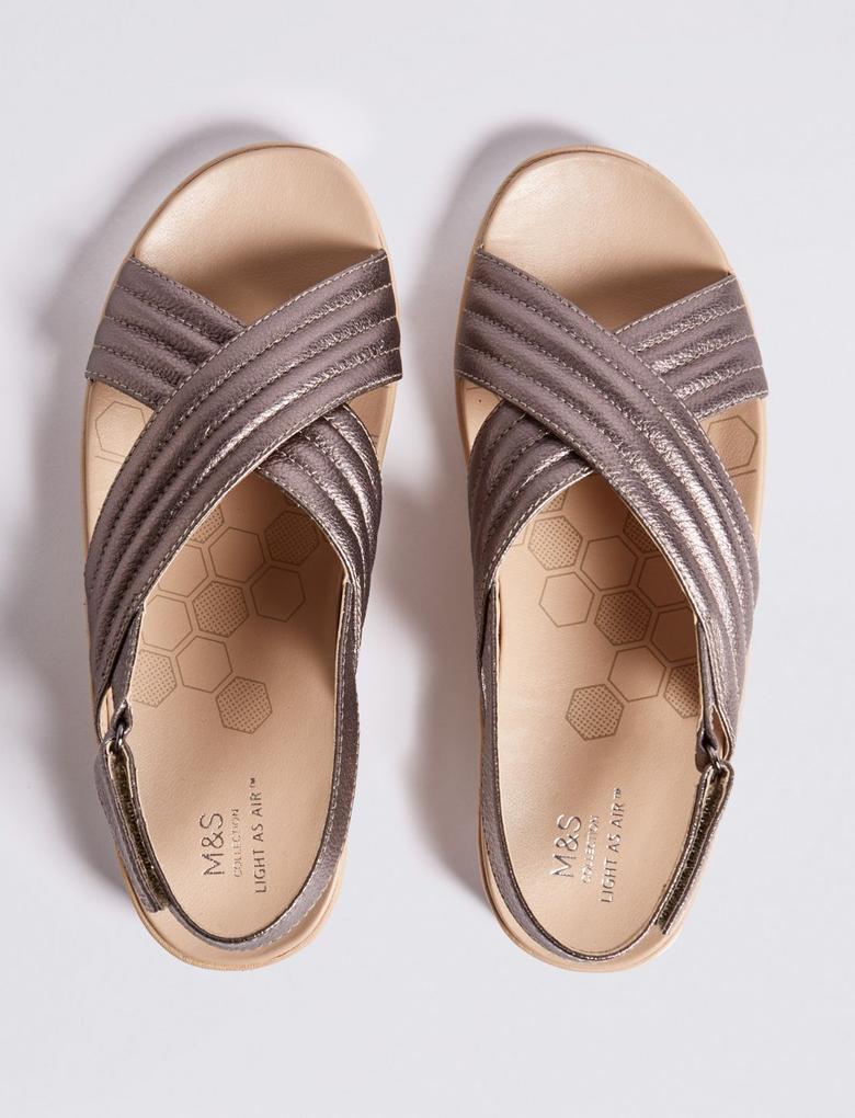 Kadın Metalik Deri Sandalet