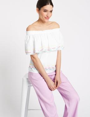 Kadın Beyaz Açık Omuzlu Fırıfır Detaylı Bluz
