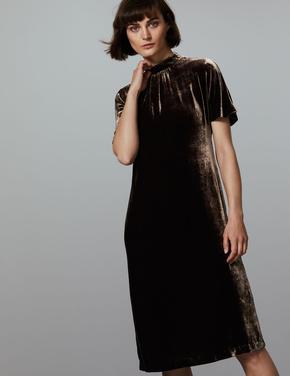 Kısa Kollu İpek Karışımlı Kadife Elbise