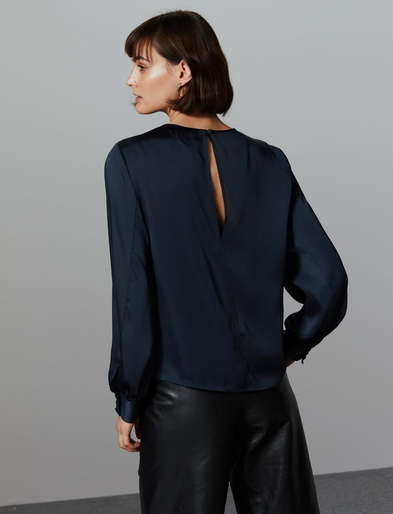 Kadın Lacivert Saten Yuvarlak Yaka Uzun Kollu Bluz