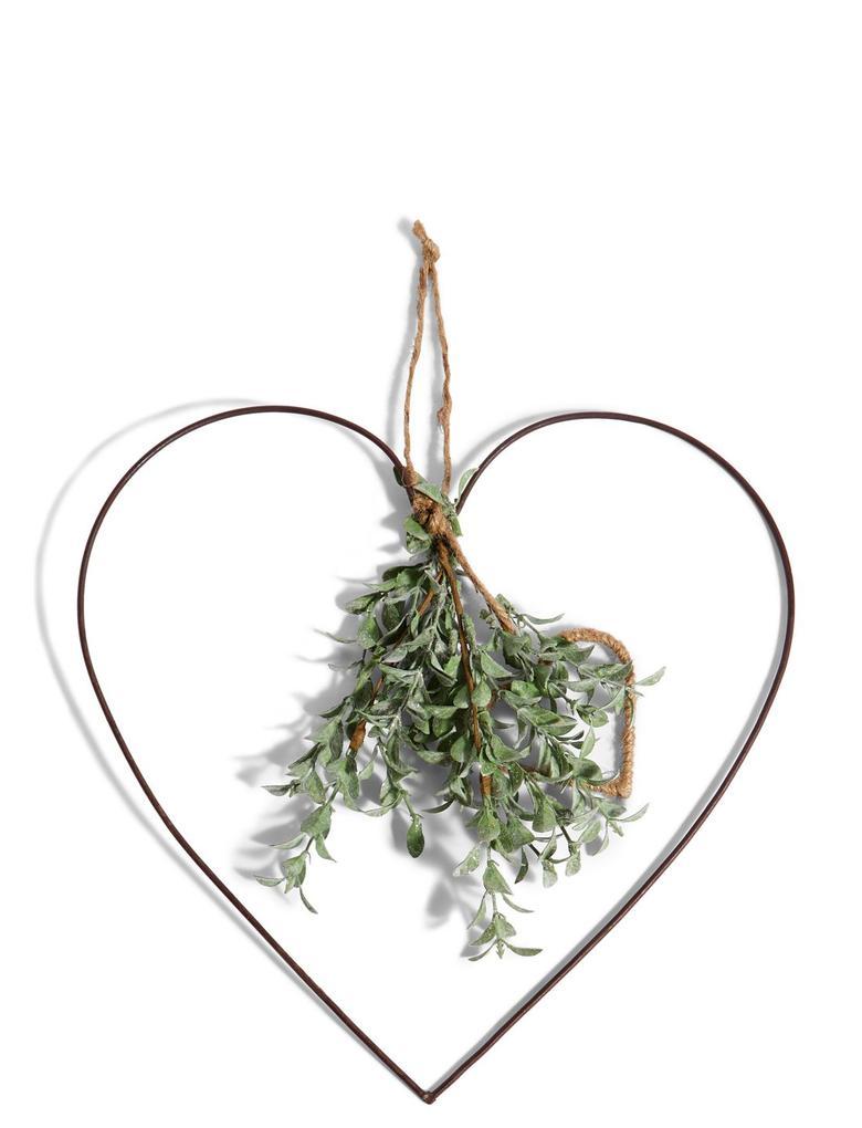 Ev Yeşil Okaliptüs ve Kalpli Süs
