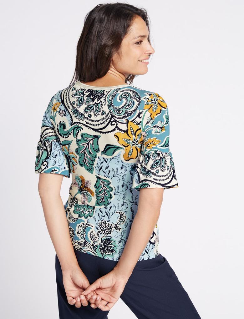 Mavi Desenli Kısa Kollu Volanlı T-Shirt