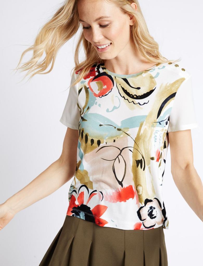 Çiçek Desenli Kısa Kollu T-Shirt