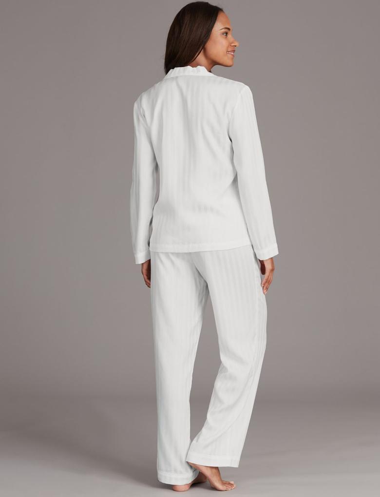 Beyaz Çizgi Desenli Uzun Kollu Pijama Takımı