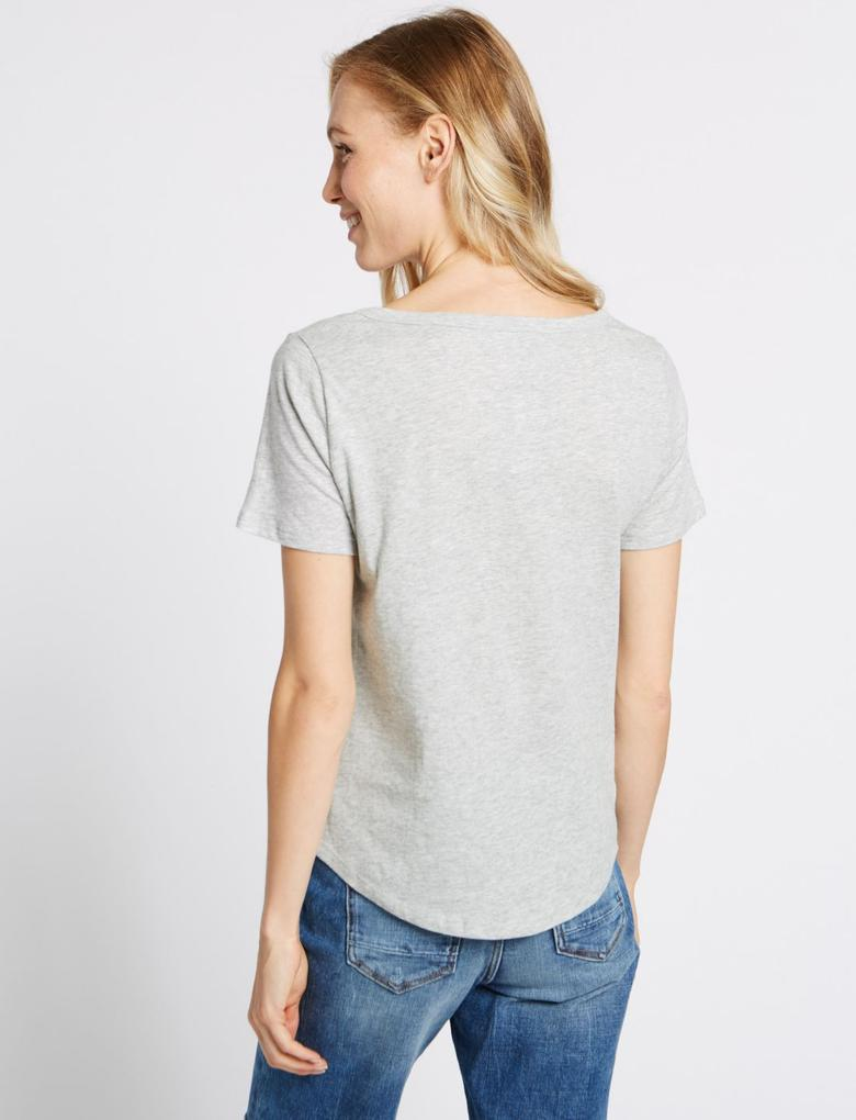 Saf Pamuklu V Yaka Kısa Kollu T-Shirt