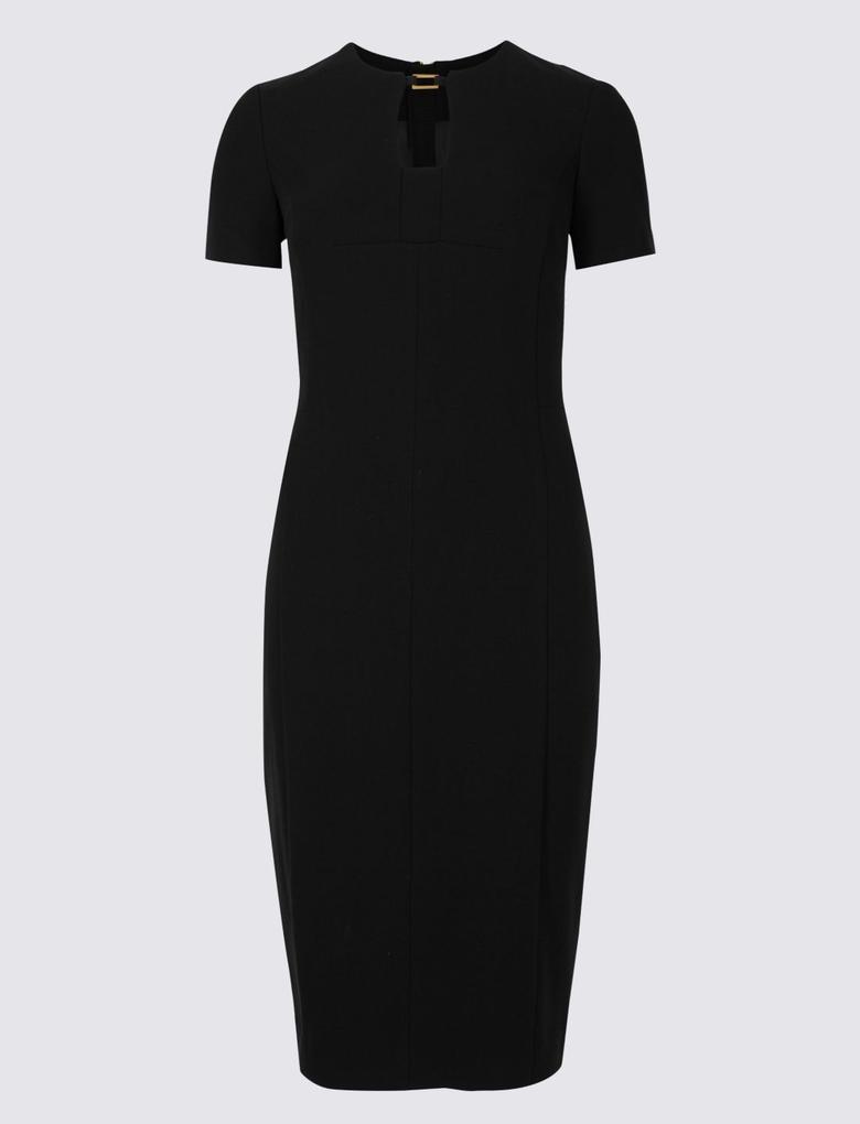 Siyah Metal Yakalı Elbise