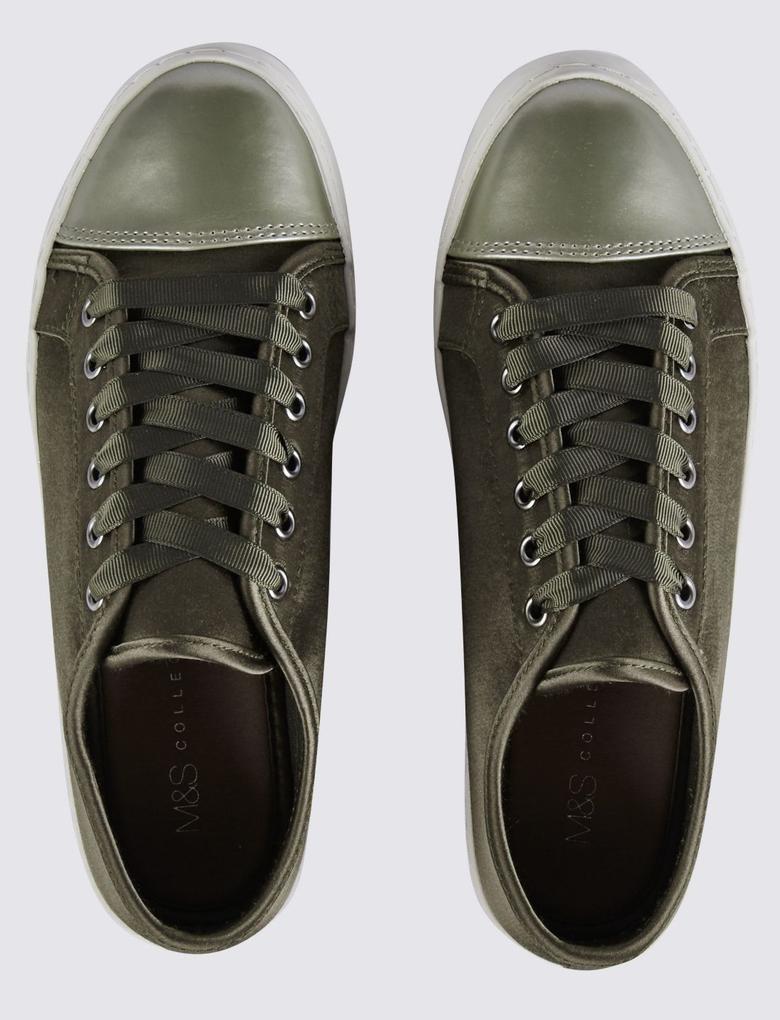 Yeşil Bağcıklı Spor Ayakkabı