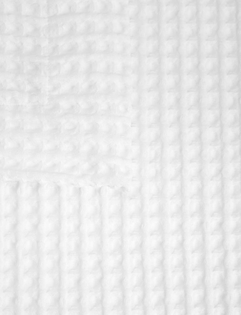 Beyaz Yatak Örtüsü