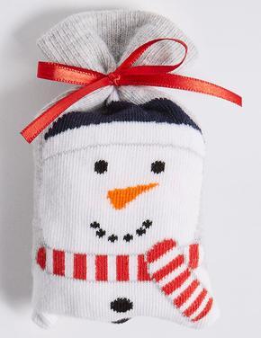 Bir Çift Kardan Adam Desenli Çorap